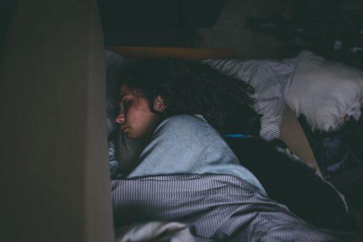 Durmiendo con gatos