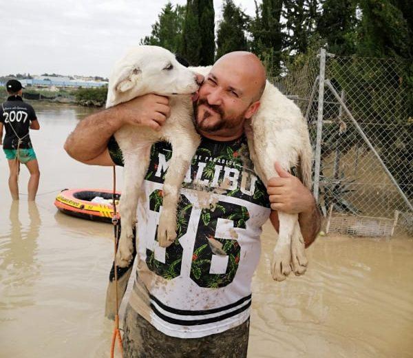 Hablamos con Andrés Pete, rescatista de animales durante la gota fría