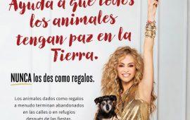 Paulina Rubio se une a la campaña de PETA para no regalar animales en Navidad