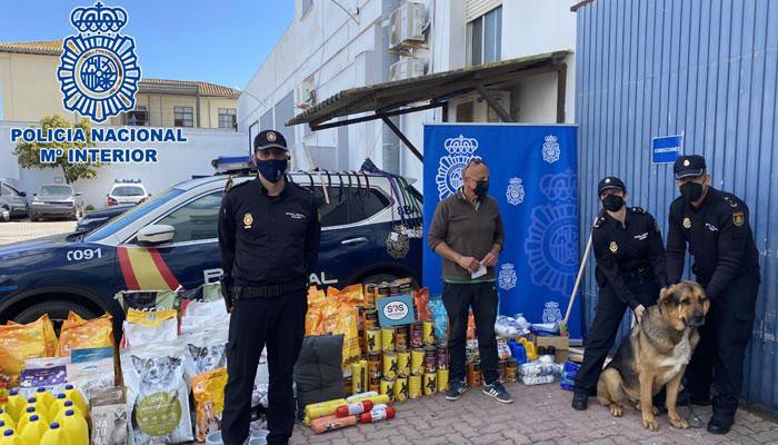 Policía Nacional donanción a perrera Los Barrios